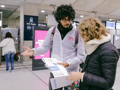 Eker Rencontre en gare
